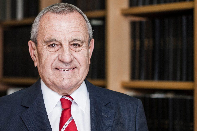 Dr. Horst Koch